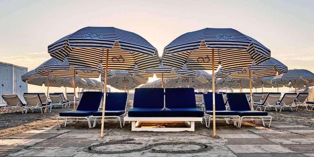 hotel 60 beach umbrellas